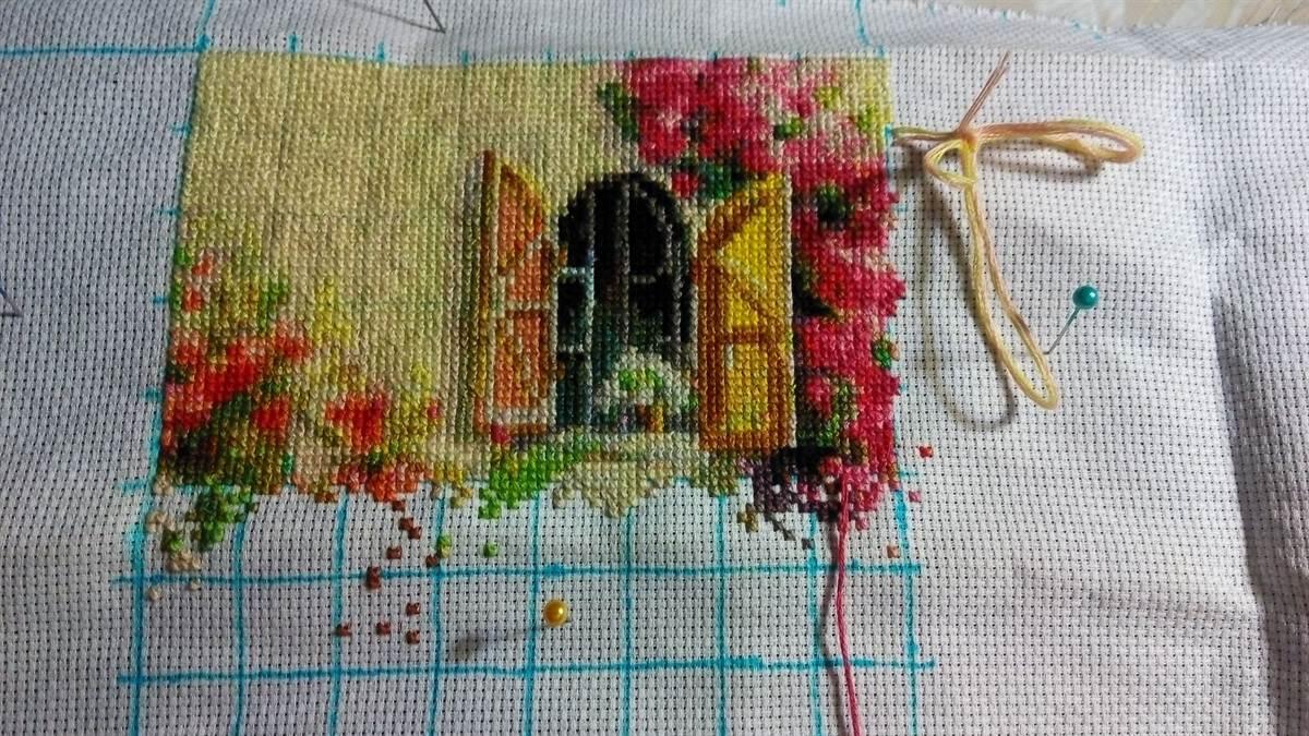 Техника вышивания крестом на канве, для начинающих и опытных вышивальщиц