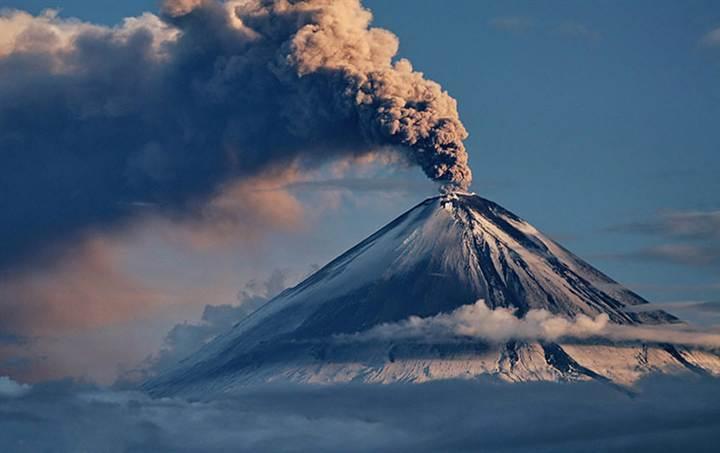 Вулкан своими руками извержение