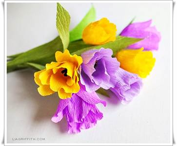 Как сделать тюльпан из бумаги из гофрированной бумаги своими руками фото 645