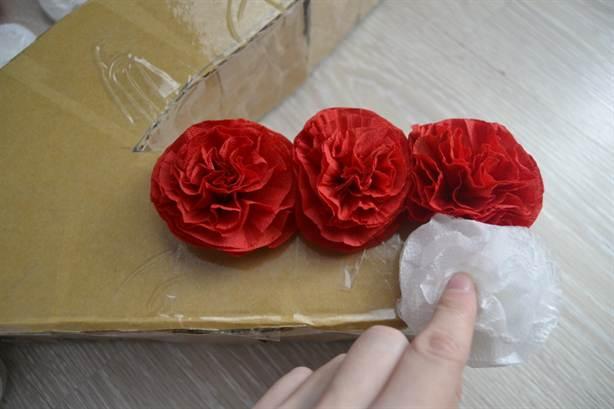 Цветы из салфеток для цифры своими руками 824