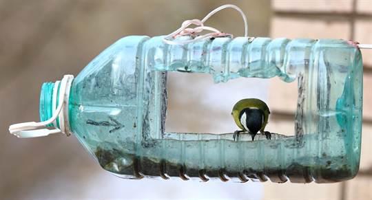 Кормушка из пластика своими руками