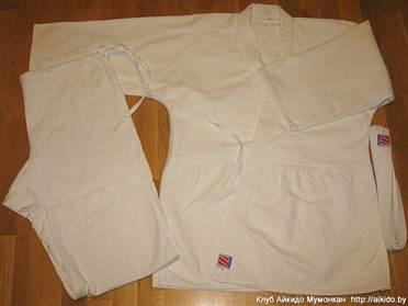 Кимоно для занятий Айкидо состоит из куртки, штанов и пояса