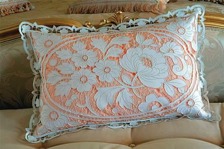 1-1543 Машинная вышивка в технике Ришелье