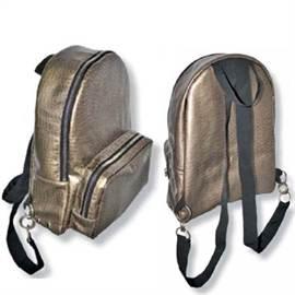 2953f7fc6155 В этой статье мы расскажем, как сшить такой рюкзачок, он изготавливается из  искусственной кожи. Выкройки строятся по похожему принципу, ...