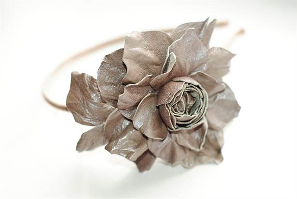 Как сделать цветок из кожи мастер класс 593