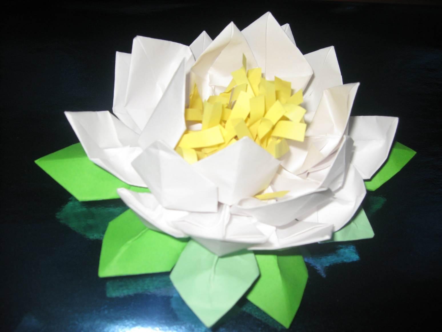 Лилии из бумаги своими руками фото 3