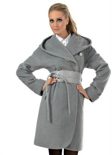 98013a6ae30 Простая выкройка для капюшона будет актуальна для рукодельниц, задумавших  сшить красивое, модное и практичное пальто. Пальто с капюшоном создаст  тепло и уют ...