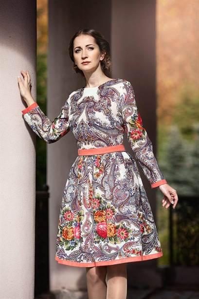 5906718b6de Размер платков позволяет самой бурной фантазии найти применение. Из одного  такого платка можно сотворить чудесное платье