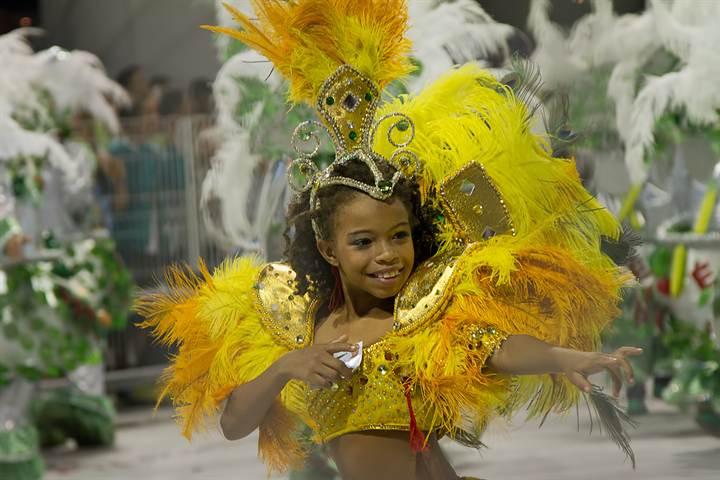Бразильские карнавальные костюмы своими руками